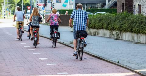 Fietsers op het fietspad