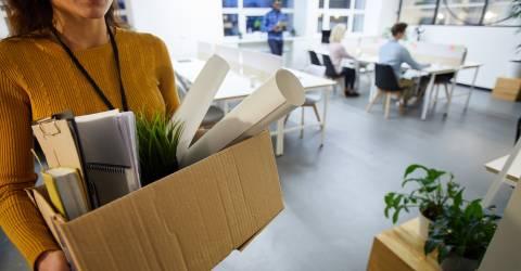 Verlaten kantoor na ontslag